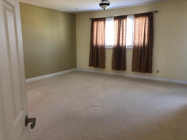 $1200 Room for Rent: Spacious Master bedroom with