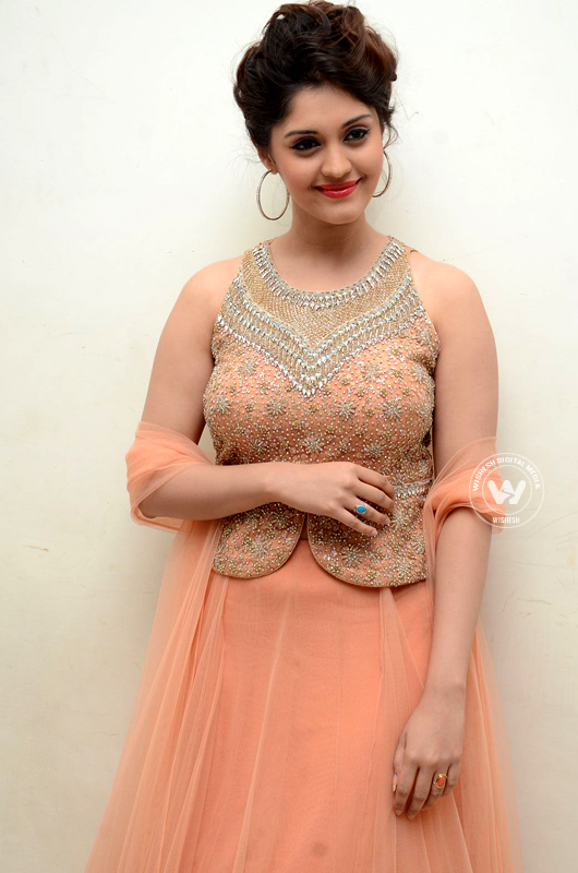 Surabhi updates | Photo 3of 10 | Surabhi spcy stills | surabhi-03