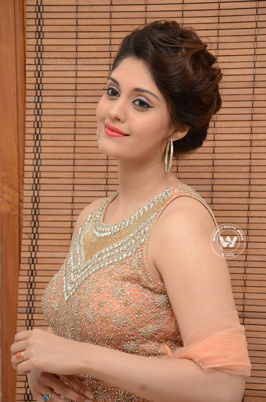 Surabhi movies | Surabhi movie stills | Photo 7of 10 | surabhi-07