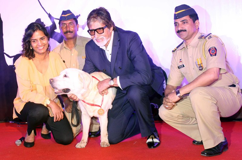 Amitabh at Pawsitive People's Awards