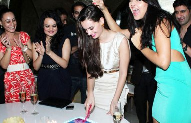 evelyn-sharma-02