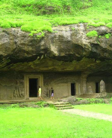 10 Must Visit Caves in India