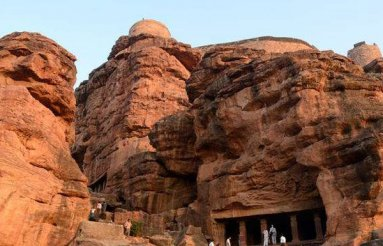 india-caves-03