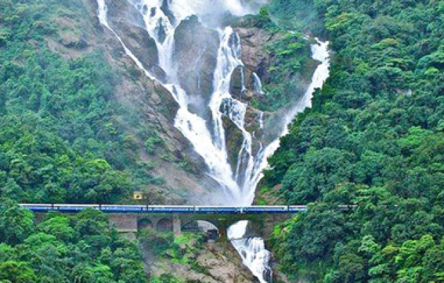 10 Train Journeys In India You Must Experience