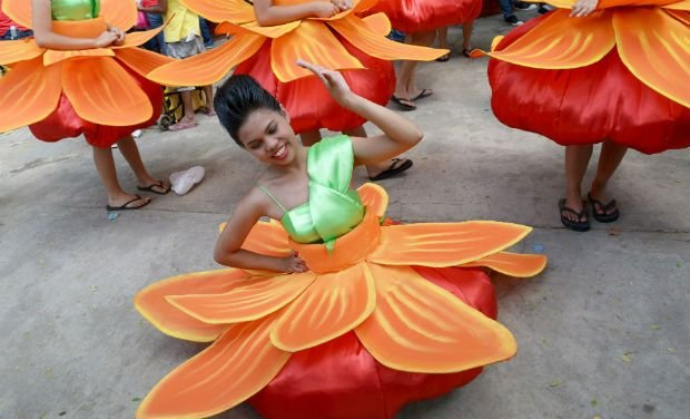 Colourful Aliwan Festival in Manila