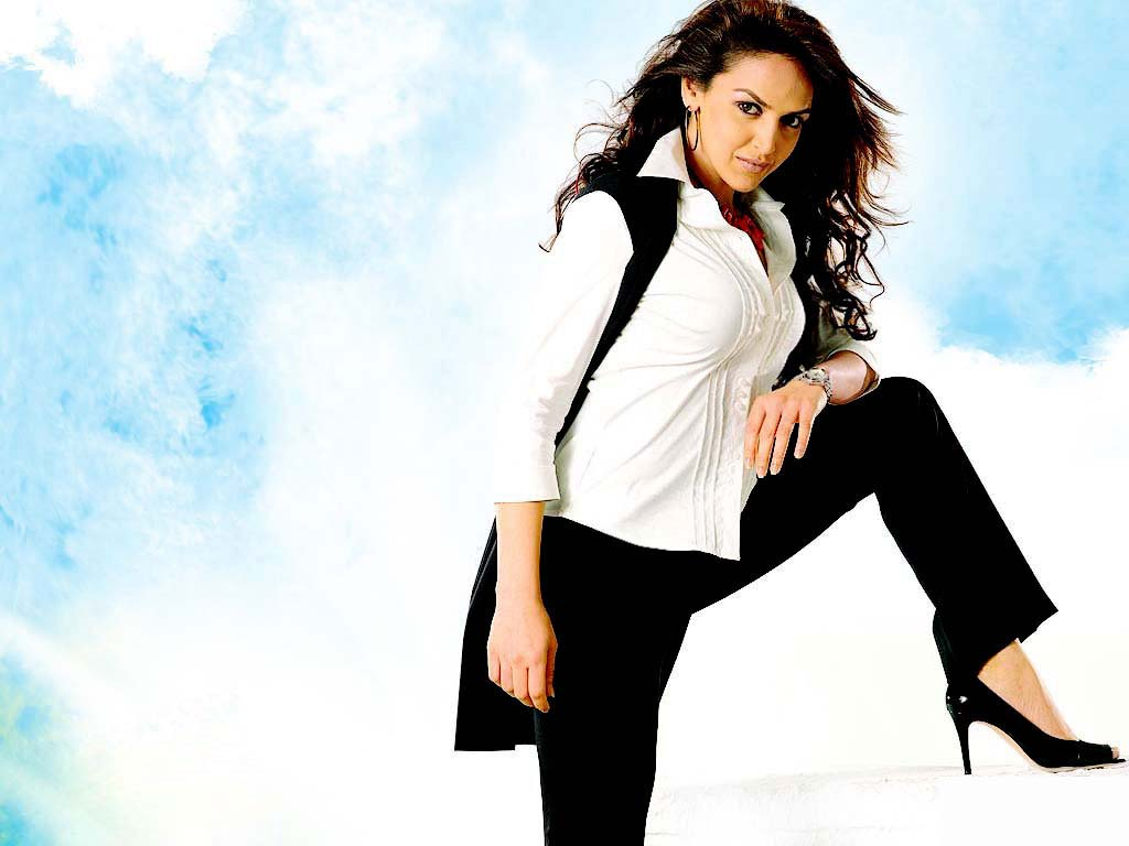 Wallpaper 1of 8 |  |  | Esha-Deol-Wallpaper-01