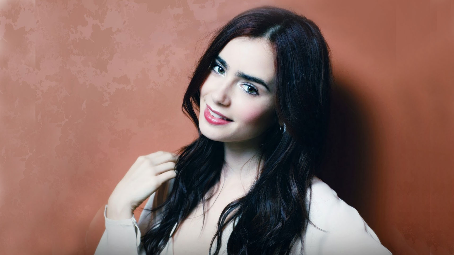 Lily Collins Spicy Wallpapers