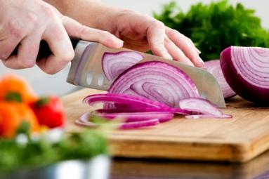 Tearless Onion Cutting!},{Tearless Onion Cutting!