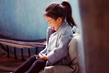 Even Babies Are Now Addicted to Technology, Experts Claim: Tips for Parents to Overcome It