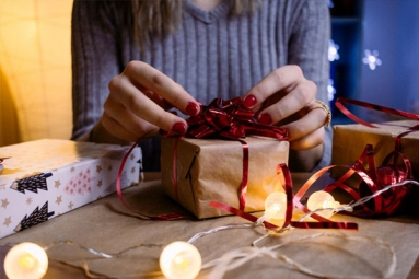 Confused About What to Buy from USA to Your Dear Ones in India? Here Are 11 Things That You Can Actually Consider Gifting