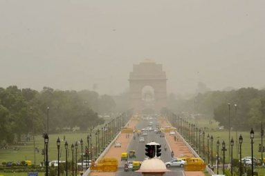 Delhi's Air Quality drops to 'Moderate' after reporting clean air for several weeks