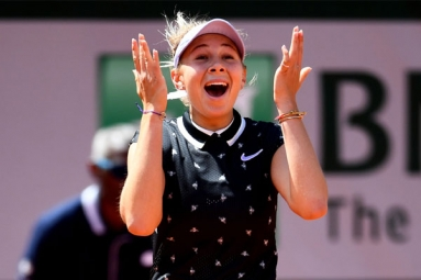 French Open 2019: Amanda Anisimova, the 17-Year-Old, Stuns Simona Halep to Reach Semis