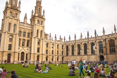Indian-origin student sues Oxford University for 'boring' teaching