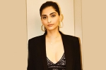 Sonam flaunts off her Curves