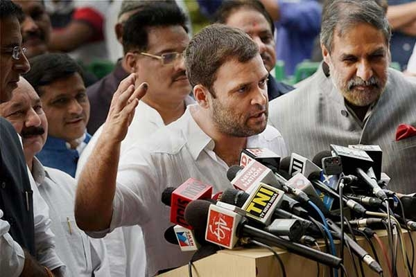 Govt. Using Extra Money Collected from Fuel Hike to Bail out Businessmen, Says Rahul Gandhi